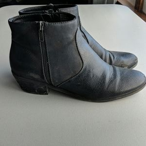 Bass Naya black ankle booties side zippers